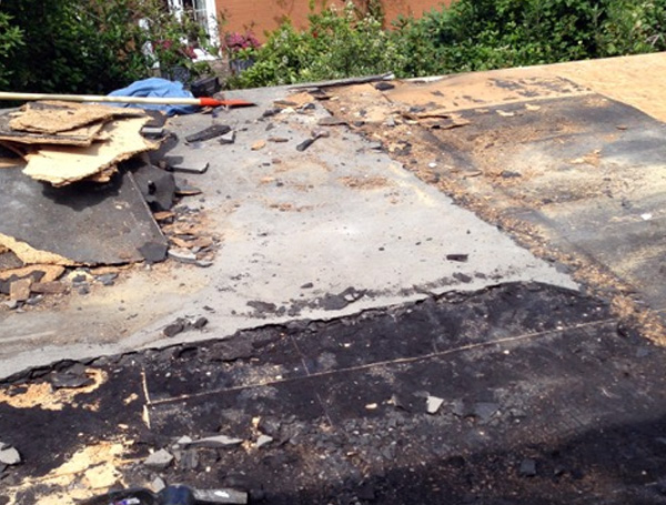 Flat roof in need of repair